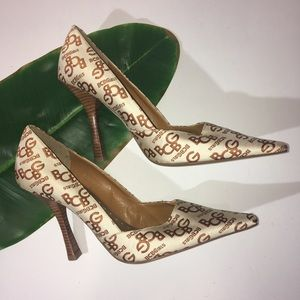 NEW BCBG Logo Stilettos Shoes Size 8.5 M